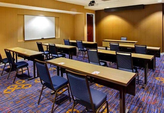 Courtyard by Marriott Atlanta Buckhead: Meeting Rooms – Classroom Style