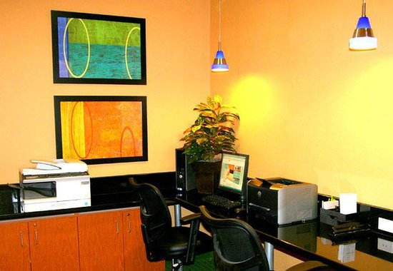 Fairfield Inn & Suites Billings: Business Center