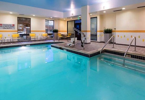 Fairfield Inn Denver Cherry Creek: Indoor Pool