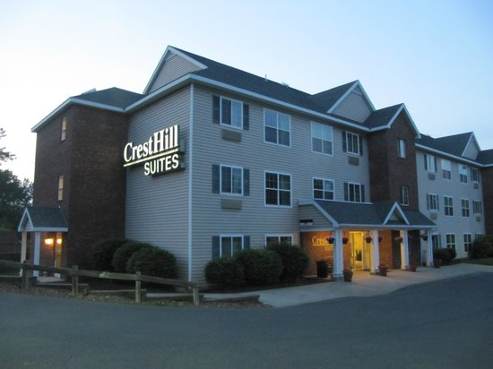 outside picture of cresthill suites albany albany