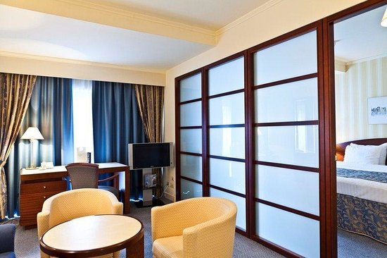 Le Chatelain Hotel: Junior Suite