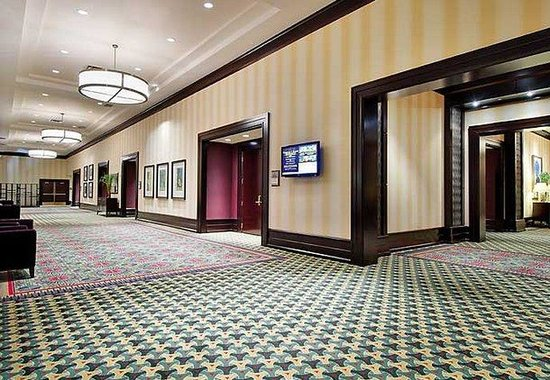Marriott Louisville Downtown: Kentucky Ballroom Pre-Function Space