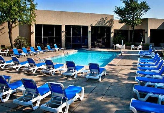 Buffalo Marriott Niagara: Outdoor Pool