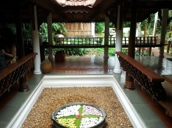 Kumarakom Lake Resort: Court yard at the recetion