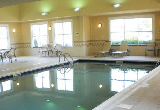 Residence Inn Morgantown: Indoor Pool