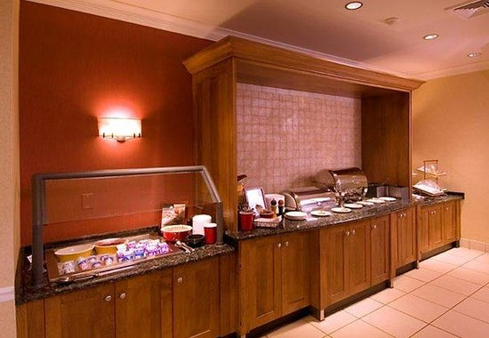 Residence Inn Rochester: Breakfast Buffet