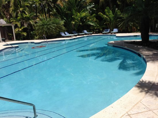 Curtain Bluff Resort: Pool