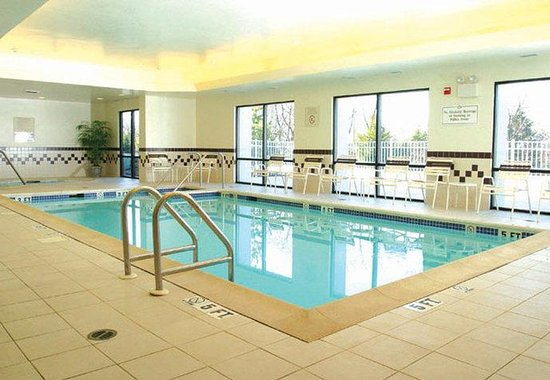 SpringHill Suites Hershey: Indoor Pool & Whirlpool