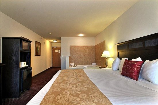 South Beloit, IL: Whirlpool Suite Guest Room