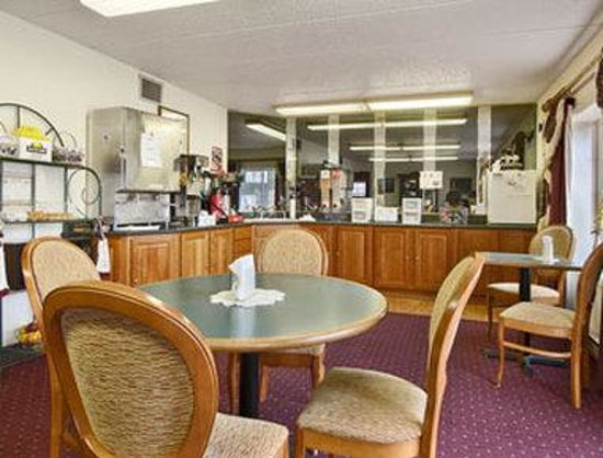 Pierre-Days Inn: Breakfast Area