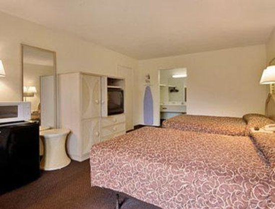 Days Inn Orlando Universal Maingate: Standard Two Double Bed Room