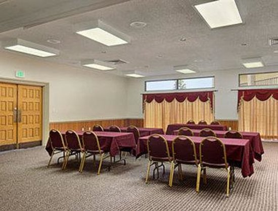 Days Inn Orlando Universal Maingate: Meeting Room
