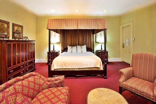 Holiday Inn New Orleans - Chateau Lemoyne: Executive Suite