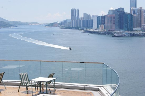 Harbour Grand Kowloon: View from the Pool