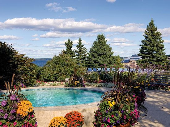 Holiday Inn Bar Harbor Regency: Outdoor Hot Tub