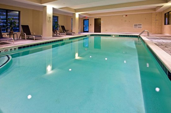 Holiday Inn Express Tell City: Swimming Pool