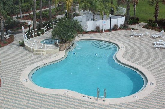 Holiday Inn Express Cocoa: Swimming Pool