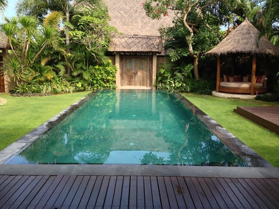 Space at Bali: Pool