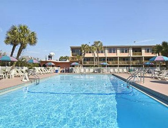 Ramada Plaza Fort Walton Beach Resort/Destin: Cabana Pool