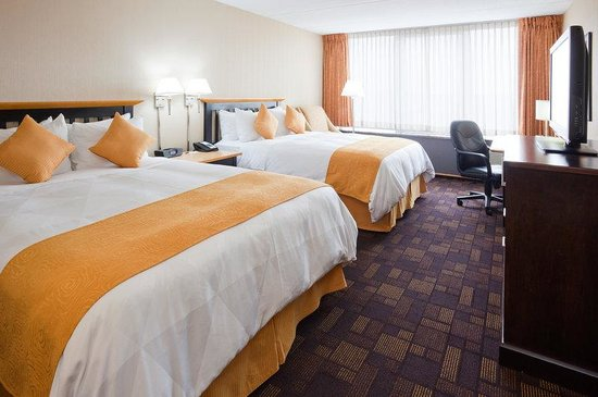 Wauwatosa, WI: Radisson Milwaukee West Standard Double