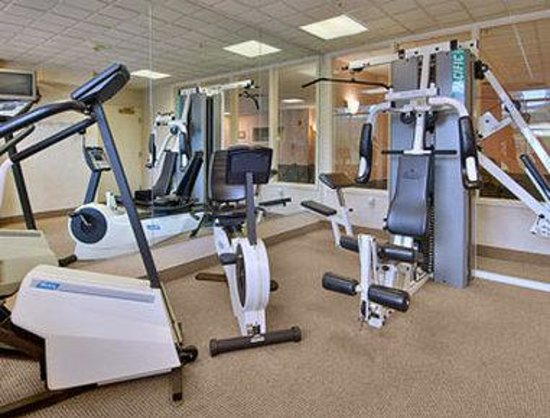 Wingate by Wyndham Winchester: Fitness Room