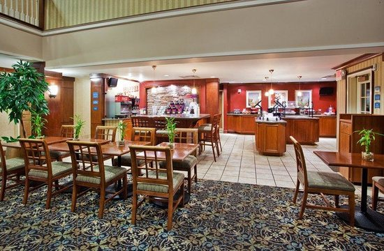 Staybridge Suites Atlanta - Perimeter Center East: Guest Dining Lounge