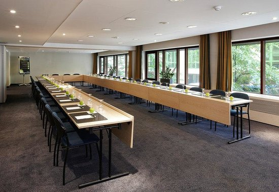 NH Grand Place Arenberg: Meeting Room