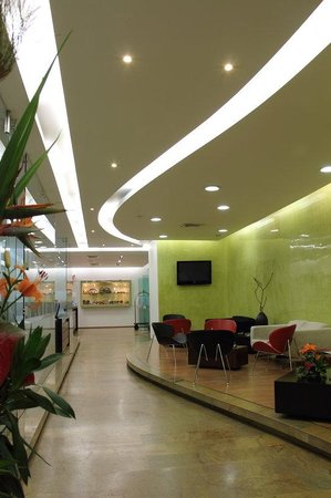 Holiday Inn Express Medellin: Hotel Lobby