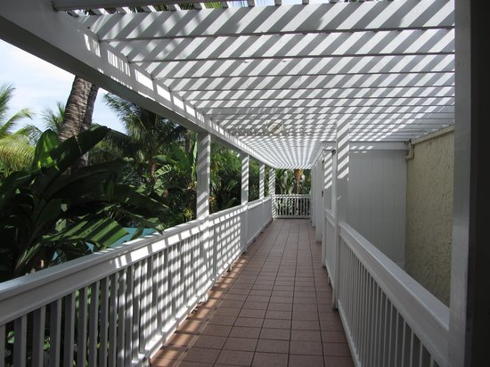 The Inn at Key West: Walkway