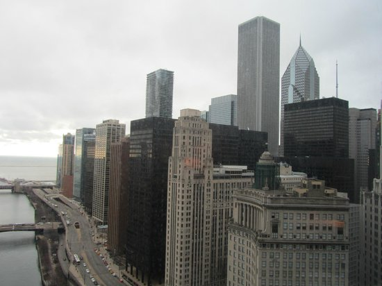 Trump International Hotel & Tower Chicago: View from Lake View Room at Day