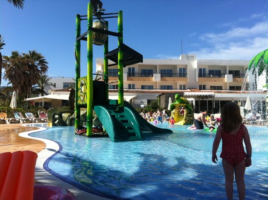 Balansat Apartamentos: Splash pool