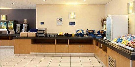 Holiday Inn Express Nottingham City Centre : Breakfast Bar