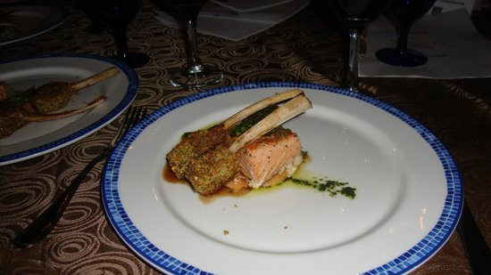 Secrets Capri Riviera Cancun: Lamb and Salmon!