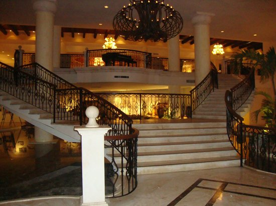 Secrets Capri Riviera Cancun: Lobby staircase, beautiful!