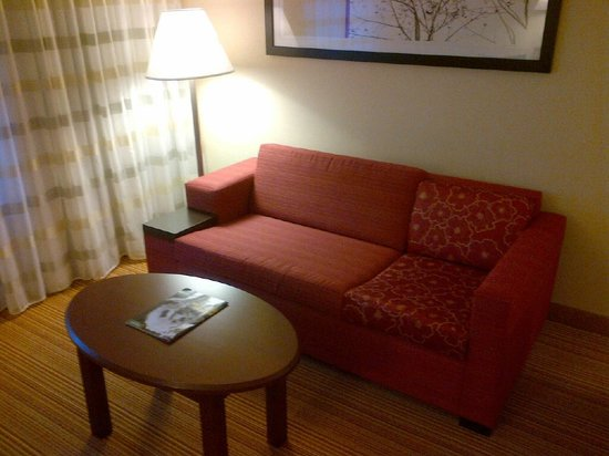 Courtyard by Marriott Toronto Mississauga/Meadowvale: Sitting area