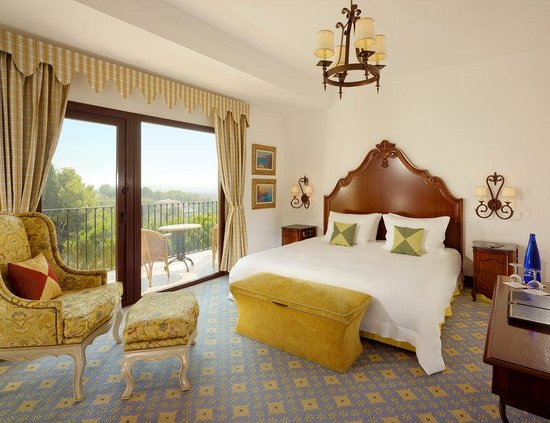 Castillo Hotel Son Vida, a Luxury Collection Hotel: Classic Guestroom