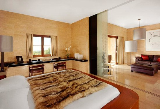 Castillo Hotel Son Vida, a Luxury Collection Hotel: Loewe Suite