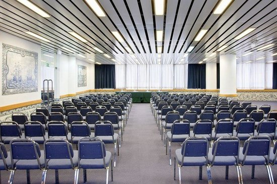 Holiday Inn Lisbon - Continental: Conference Room Descobrimentos in theatre style