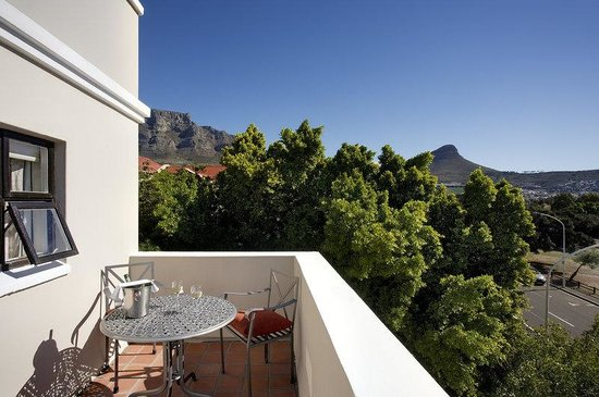BEST WESTERN Cape Suites Hotel: Guest Room View