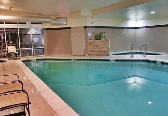 SpringHill Suites Pueblo Downtown: Indoor Pool & Spa