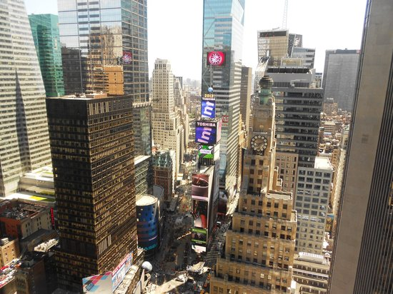New York Marriott Marquis: Room 4235 Day View