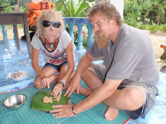 Khao Sok National Park, Thailand: making thai sweets