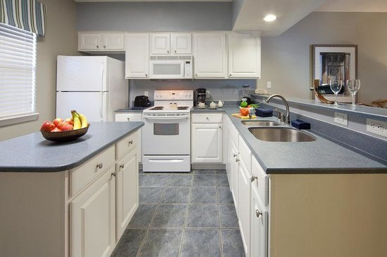 Holiday Inn Club Vacations Panama City Beach Resort: 2-Bedroom kitchen makes preparing meals a pleasure