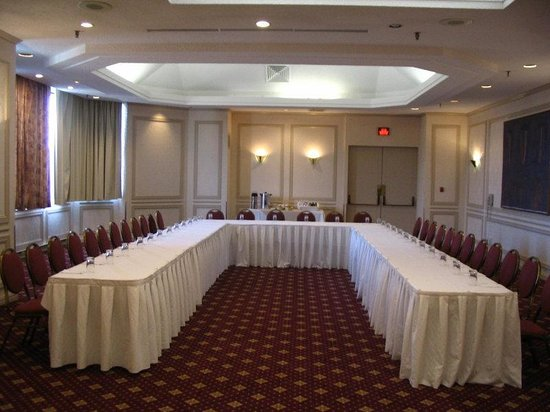 Crowne Plaza Gatineau-Ottawa: Organizing a Meeting U can Do It, We can Help!