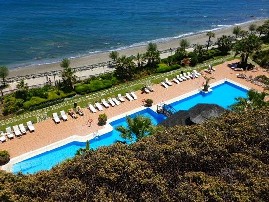 Gran Hotel Elba Estepona & Thalasso Spa: View of Pool area from balcony