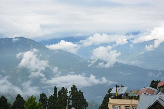 Mayfair Darjeeling: morning view from balcony
