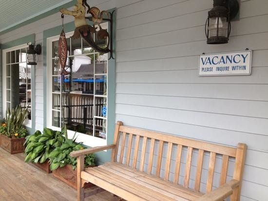 Vineyard Haven, MA: Front Porch