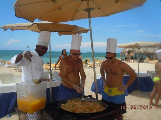 Iberostar Grand Rose Hall: cook off on the beach