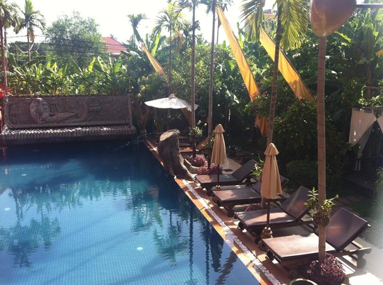 Golden Temple Hotel: Swimming pool