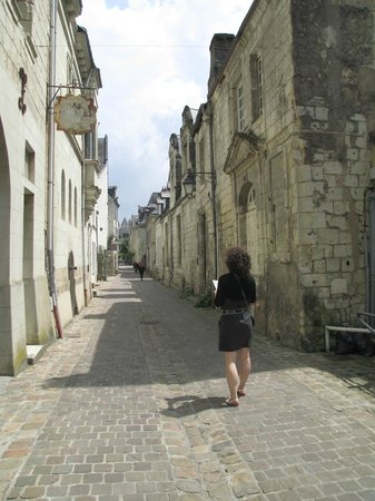 ‪‪Loire Valley Retreat‬: Navigating the back streets of Chinon‬